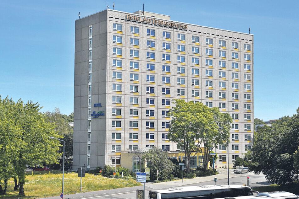 Dauerstreit ums Hotel am Terrassenufer: Was wird aus dem Beton-Klotz?
