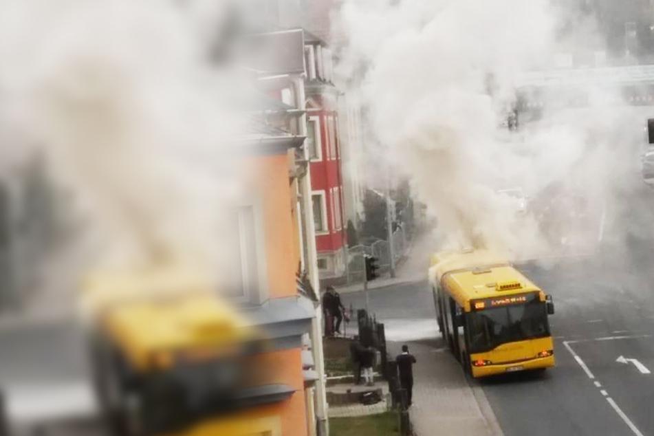 Bus der DVB gerät in Brand und legt Gittersee lahm!