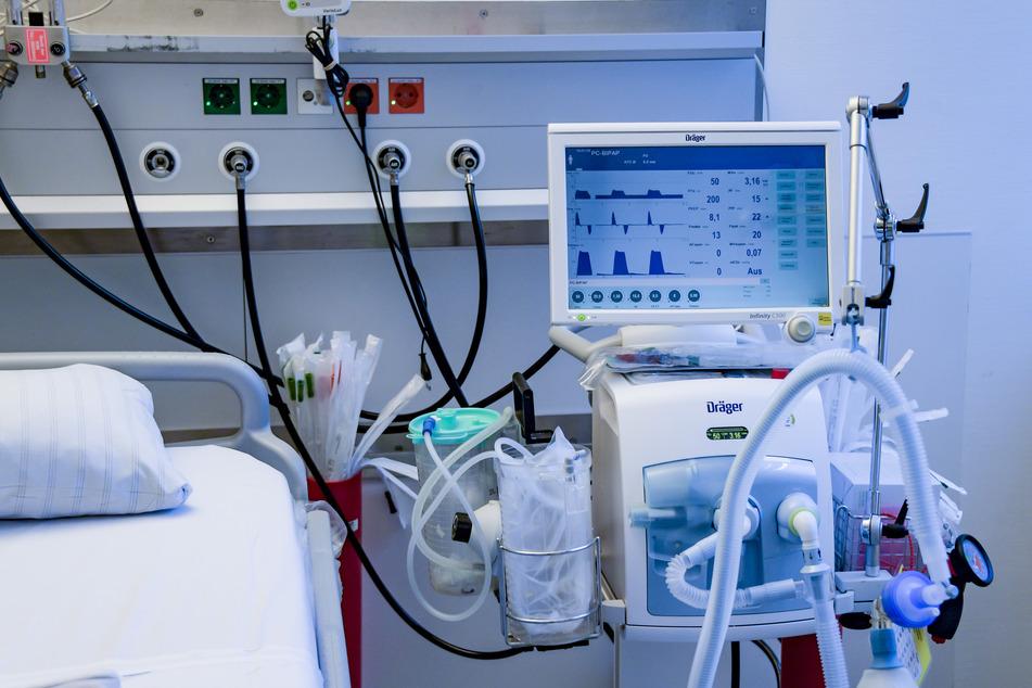 Neue Studie an Toten zeigt: Coronavirus kann auch das Gehirn schädigen