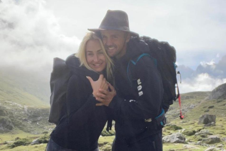 Sarah Connor (41) gratulierte ihrem Schatz Florian Fischer (47) mit einem gemeinsamen Foto aus den Bergen.