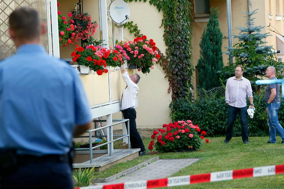Die Kriminalpolizei untersuchte 2011 die Wohnung des Getöteten.