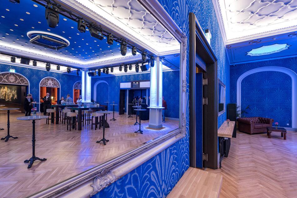 """Der """"Blaue Salon"""" erstrahlt in neuer Schönheit."""
