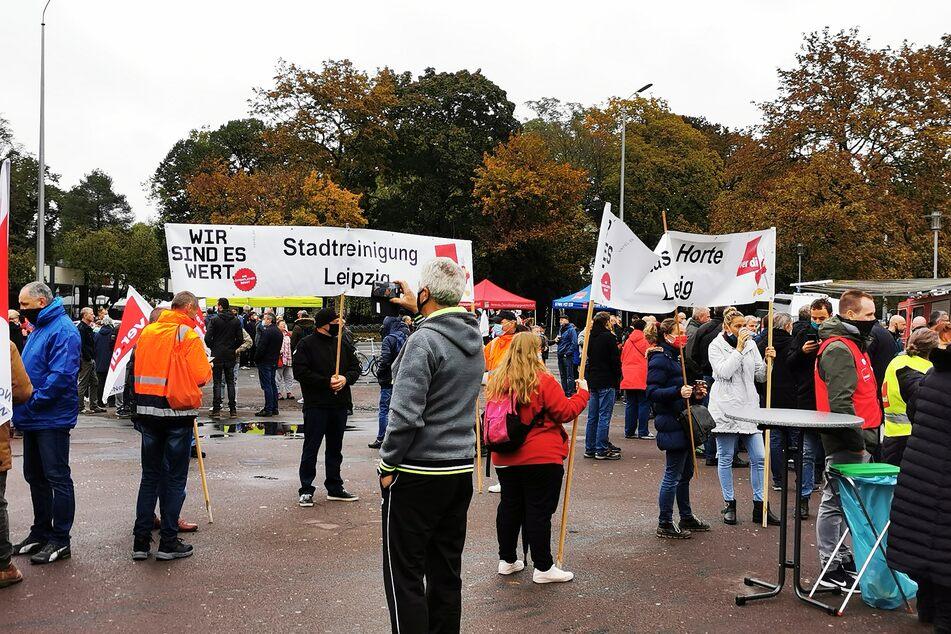 Nur einen Tag nach dem 16 Stunden andauernden Streik der LVB gehen am Freitag unter anderem Leipzigs Stadtreinigung sowie viele Kindertagesstätten für mehr Geld auf die Straße.