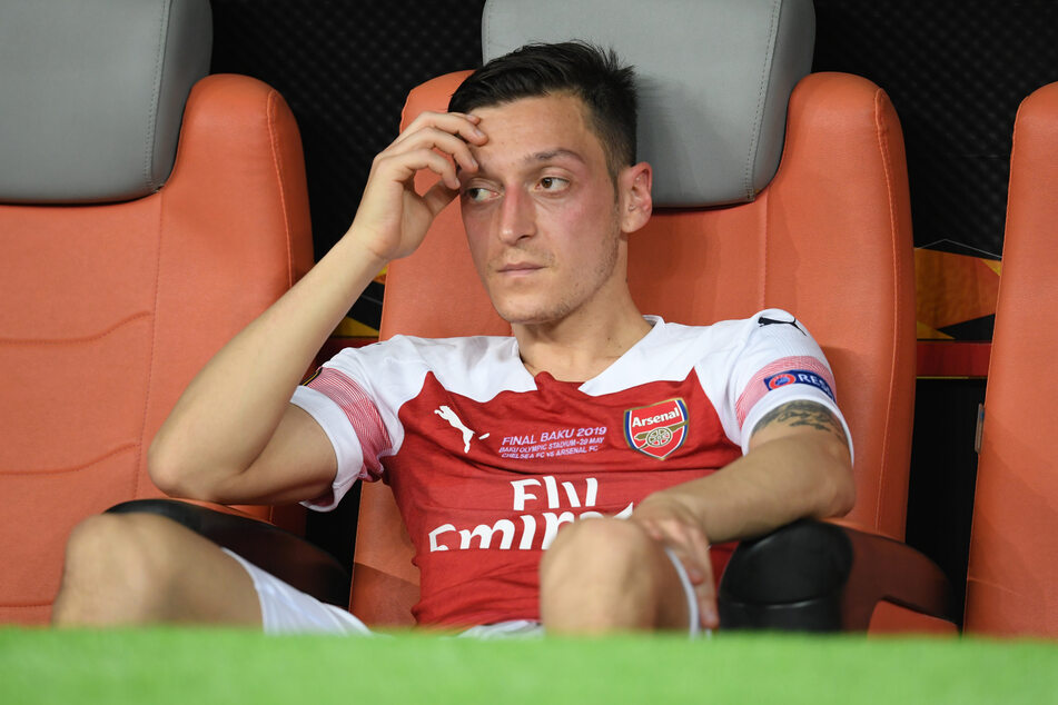 Nächster Nackenschlag für den Weltmeister von 2014: Ex-Nationalspieler Mesut Özil (25) steht beim FC Arsenal wohl endgültig vor dem Aus.