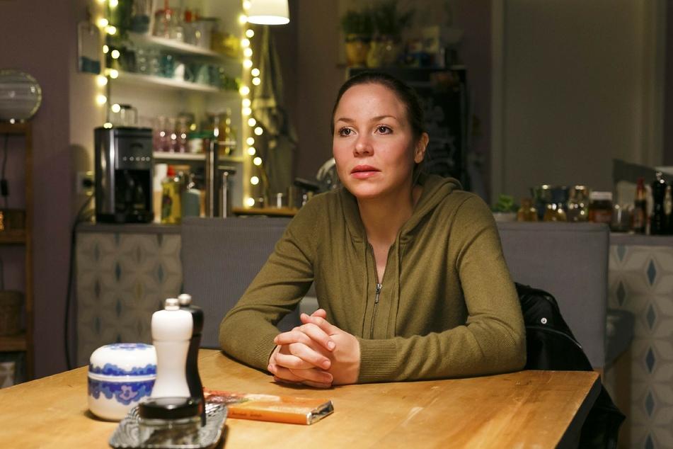"""Franziska van der Heide (29), die bei """"Alles was zählt"""" Ina Ziegler spielt, ist schwanger."""