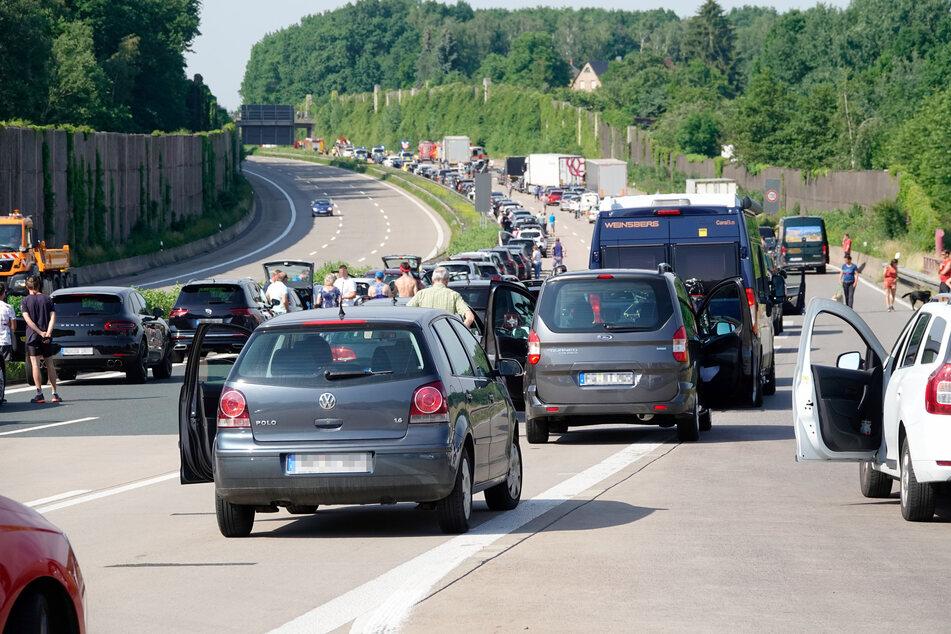 Die Sperrung auf der A4 bei Chemnitz sorgte am Sonntagmorgen für einen langen Stau.