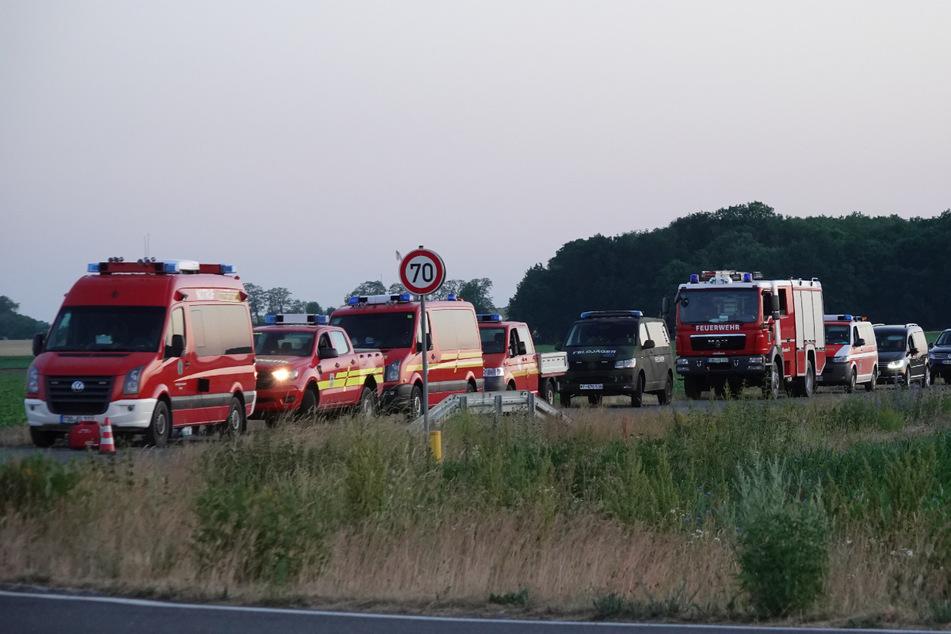 Am Abend mussten die Einsatzkräfte dann wegen der Explosionsgefahr abrücken.
