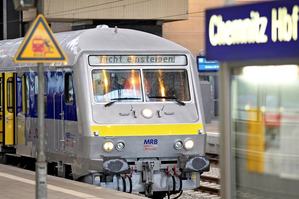 Noch rumpelt die MRB von Chemnitz nach Leipzig. Lars Faßmann fordert eine schnellere Elektrifizierung der Strecke.