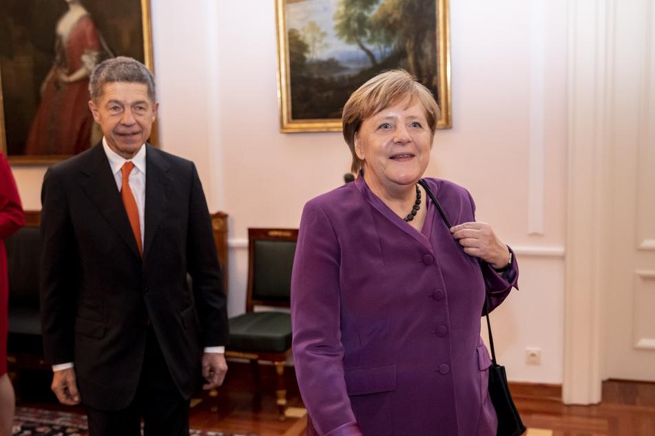 Der Mann im Hintergrund: Joachim Sauer (71) mit seiner Ehefrau Angela Merkel (66).