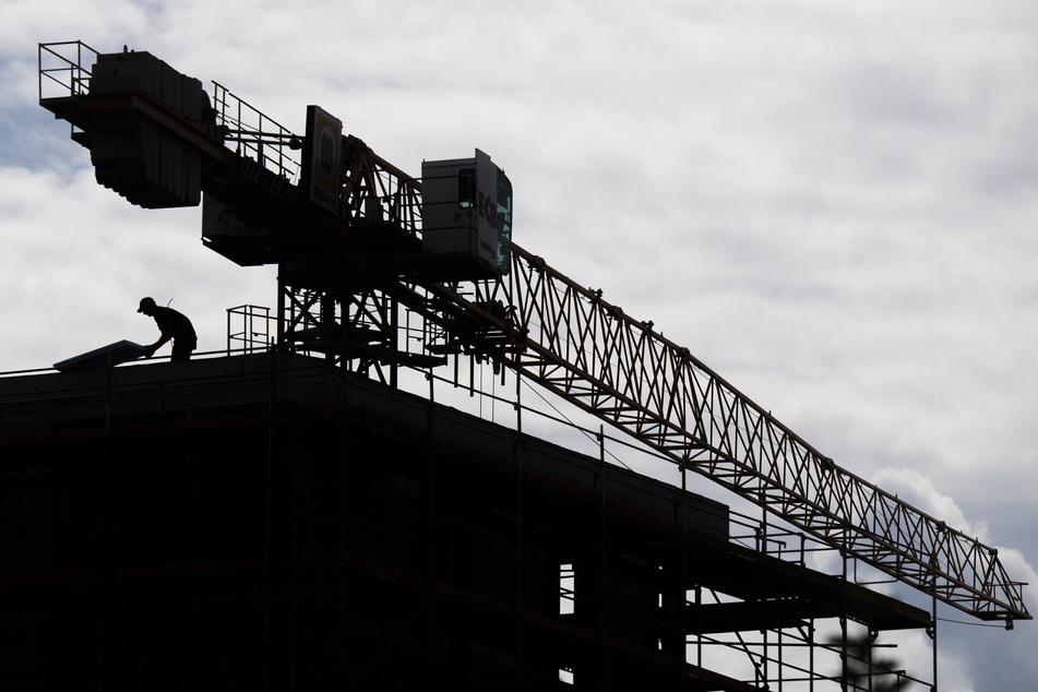 Tödlicher Arbeitsunfall: Betonmauer stürzt auf Bauarbeiter