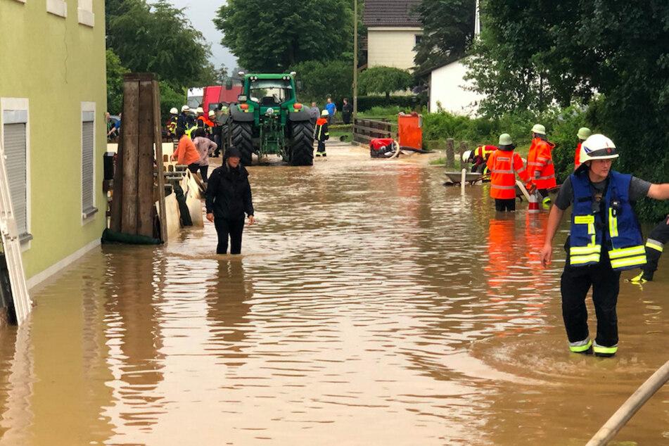 Unfälle und Überflutung: Oberfranken kämpft nach Gewitter gegen Wassermassen