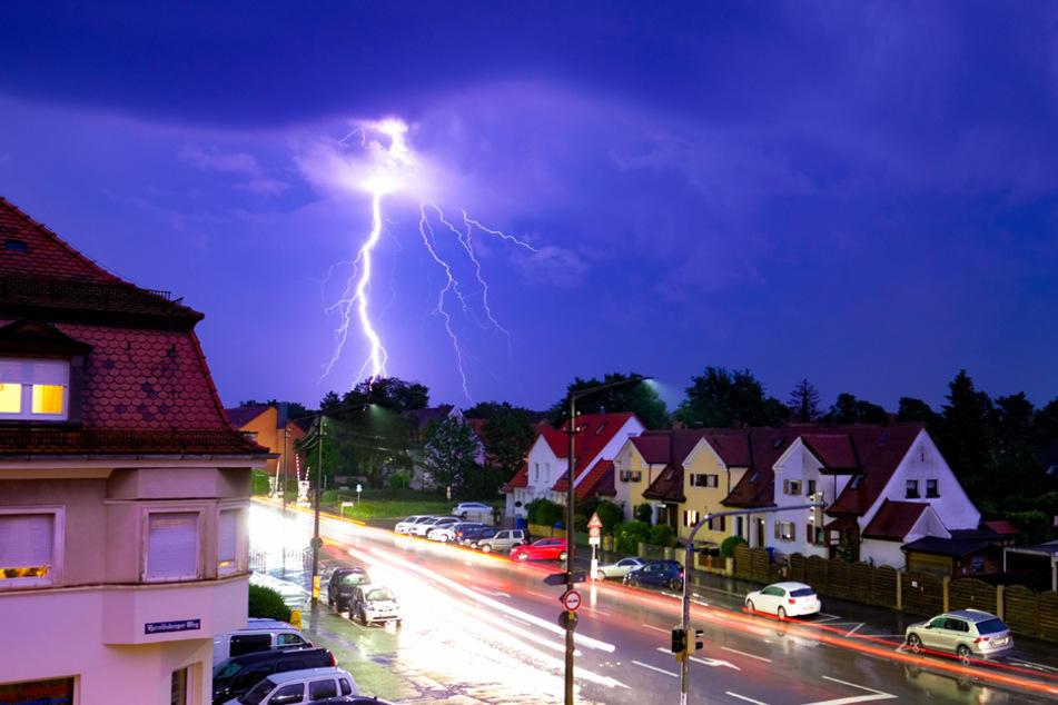 Unwetter in Bayern: Blitzeinschläge, Überschwemmungen, Evakuierung