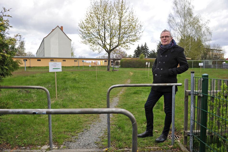"""Heute erinnert nichts mehr an das """"Waschhaus"""": """"DJ MPunkt"""" Michael Richter (59) am ehemaligen Standort in Ebersdorf."""