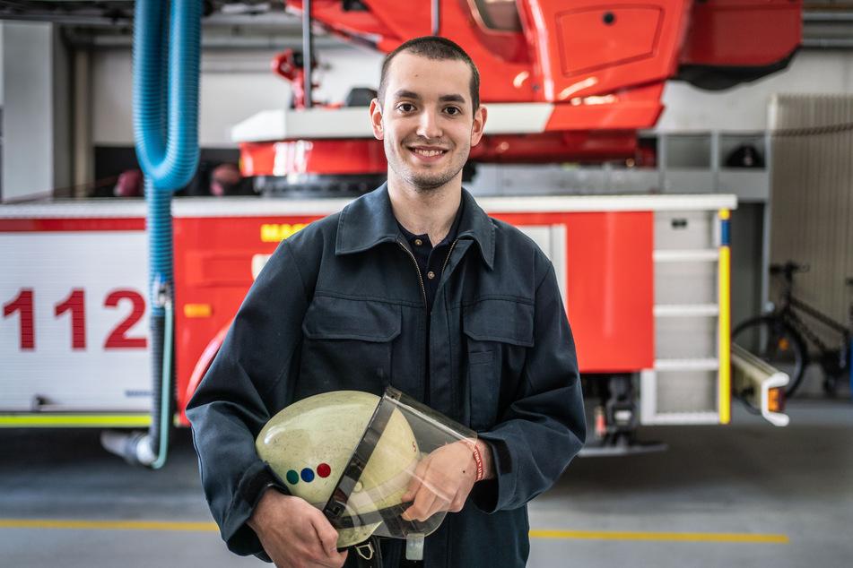 Feuerwehrmann Leon Henzner von der Feuerwehrwache in Schwalbach am Taunus.