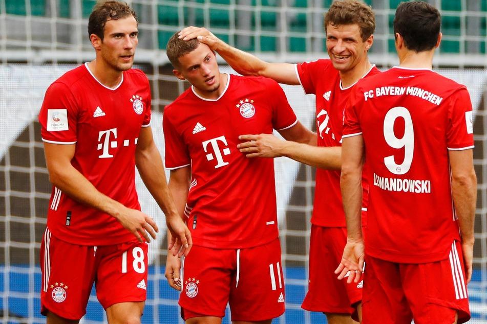 Michael Cuisance (22, 2.v.l.) konnte sich beim FC Bayern München nicht durchsetzen. Die Verantwortlichen wollen den Spieler verkaufen.