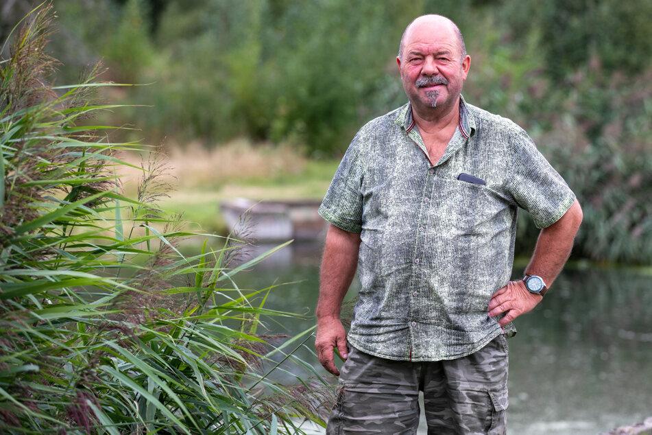 """Teichwirt Armin Kittner (58) züchtet seinen """"Wunderfisch"""" seit vier Jahren."""