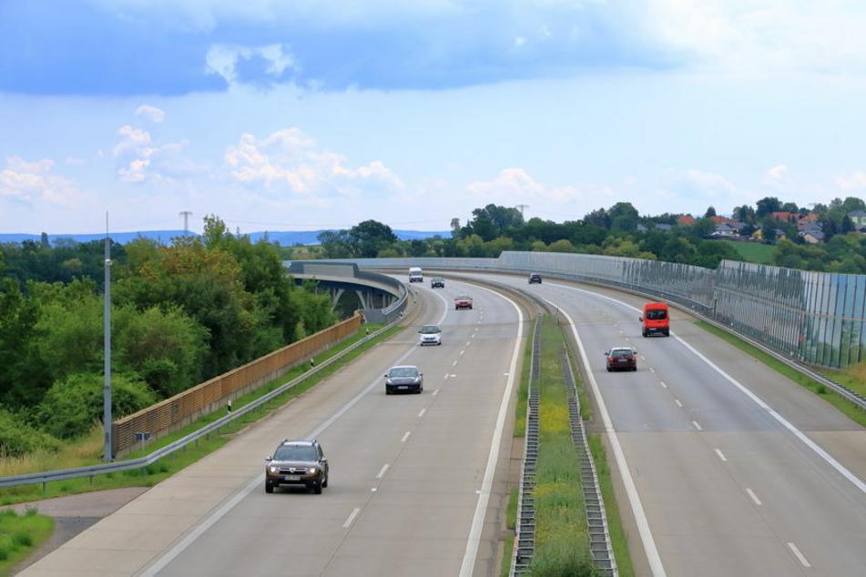 Der Fahrer war auf der A17 in Richtung Prag unterwegs und ignorierte einfach die Absperrung. (Symbolbild)