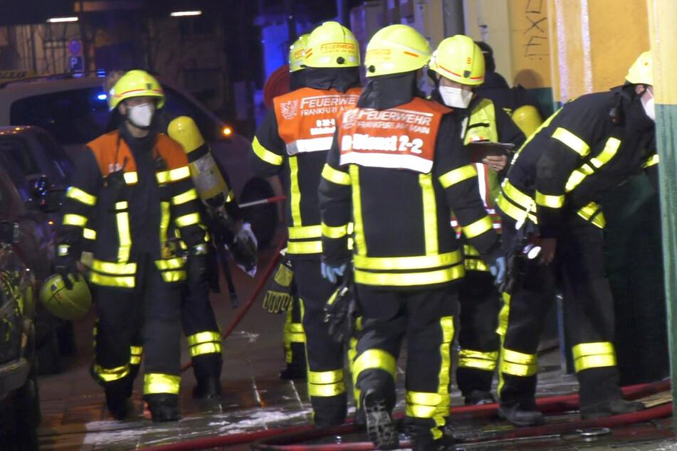 Die Feuerwehr war mit zahlreichen Einsatzkräften vor Ort und löschte den Brand.
