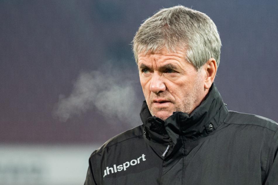 Friedhelm Funkel (67) rutschte mit Fortuna Düsseldorf 2019/20 auf den letzten Tabellenplatz ab und wurde entlassen.