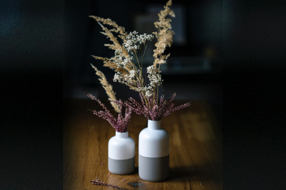 Trockenpflanzen sind die deutlich stilvollere Alternative gegenüber Kunststoffblumen.