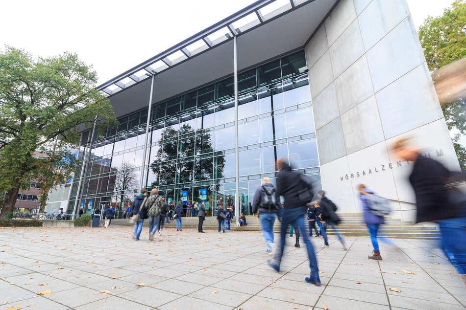 In Dresden gibt es mehr als 31.000 Studenten. Das Leihrad-System fällt jedoch aus dem Semesterticket.