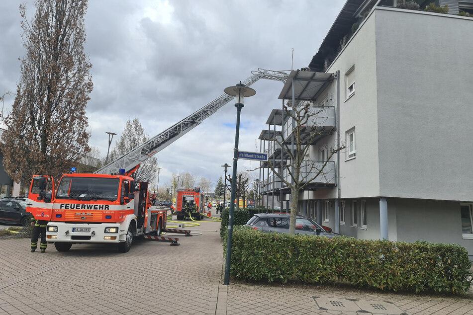 Die Feuerwehr evakuierte die Bewohner des Altenheims.