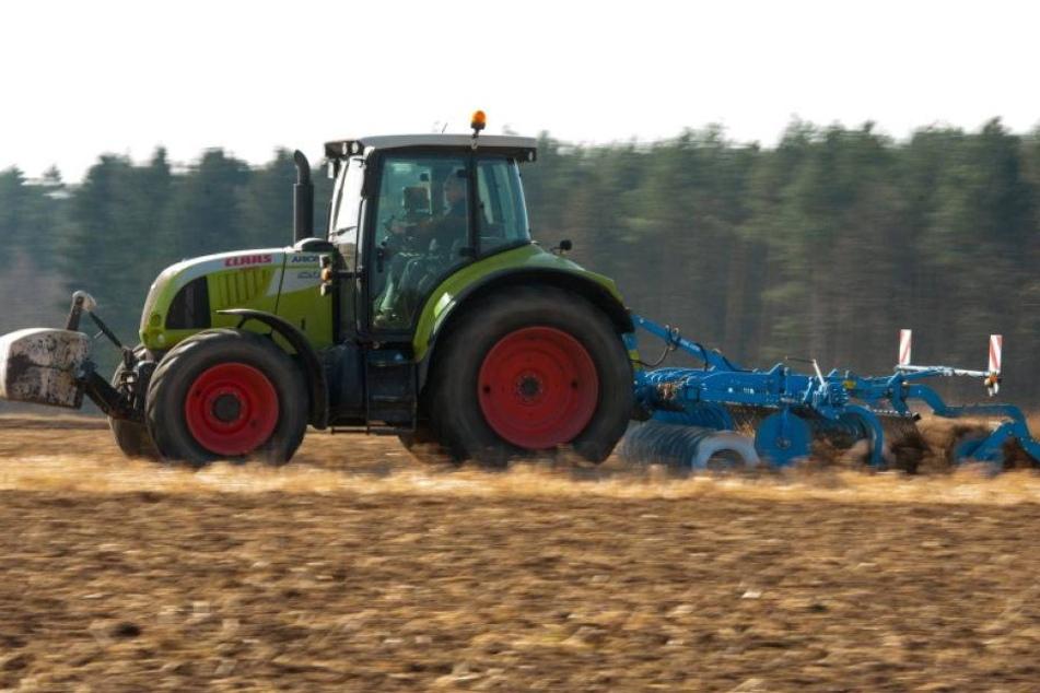 Bauer war drei Tage unter Traktor eingeklemmt
