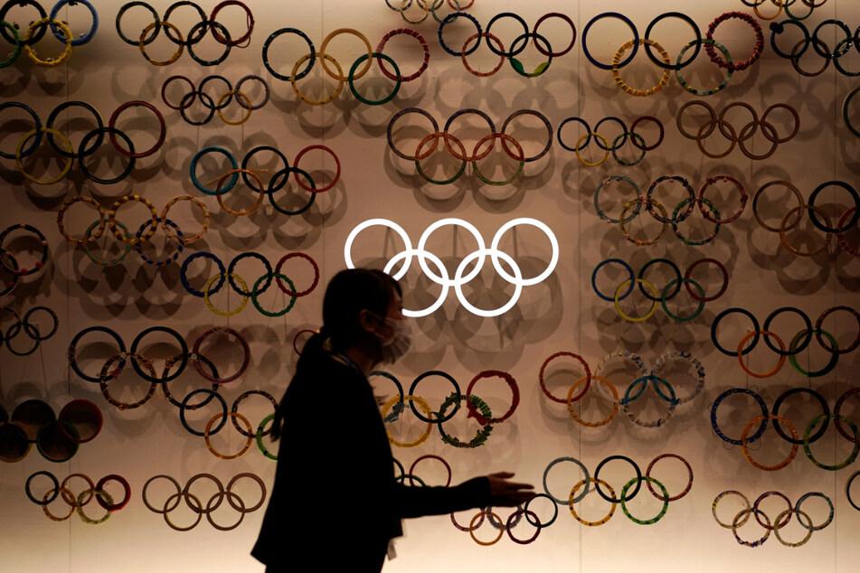 Die Olympia-Macher von Tokio wollen für die einreisenden Athleten im kommenden Sommer Ausnahmen von den strengen Corona-Regeln in Japan erwirken.