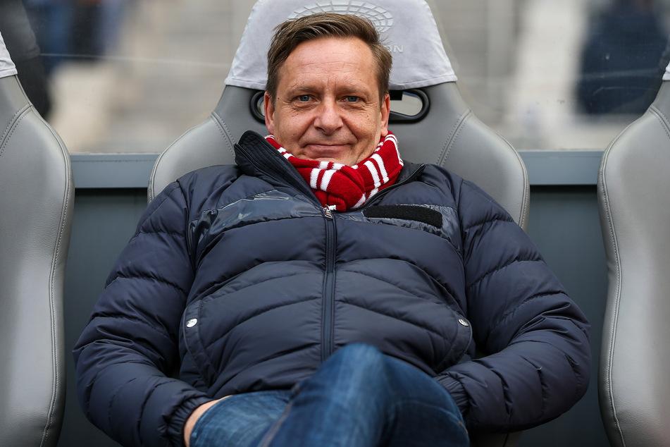 FC-Sportdirektor Horst Heldt (50) möchte einen neuen Torwart verpflichten.
