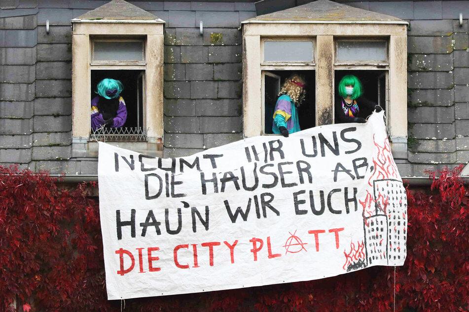 Hausbesetzung in Dresdner Neustadt: Polizei greift erst mal nicht ein!