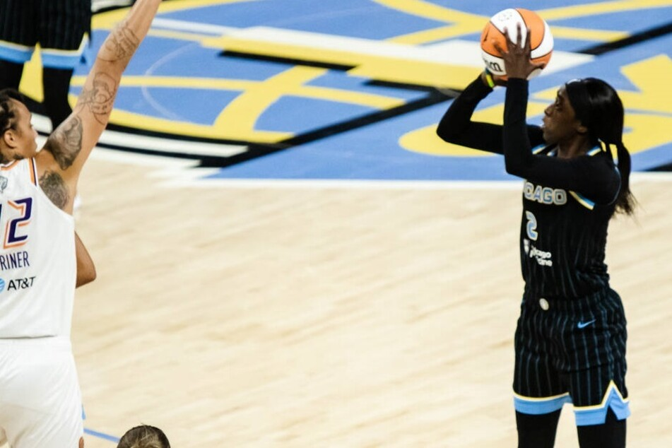 WNBA Finals: Chicago on the brink of their first title after cooling off the Mercury in game three