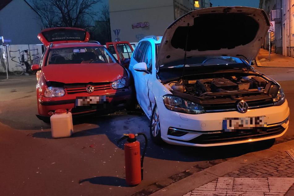 Kinder saßen mit im Auto! Zwei Verletzte bei Unfall in Leipzig