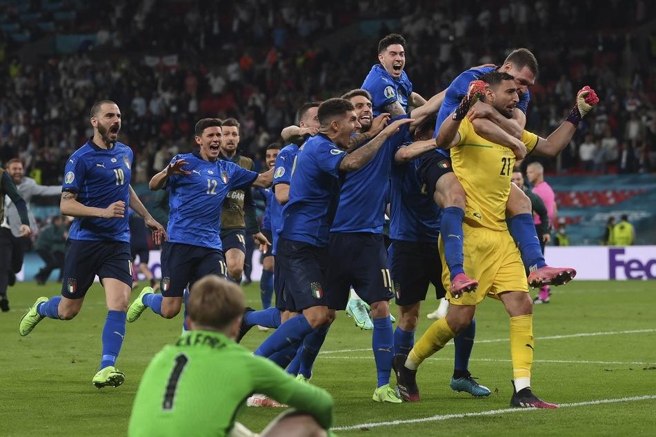 Alsbald realisierte er im Anschluss, dass Italien soeben Europameister wurde.