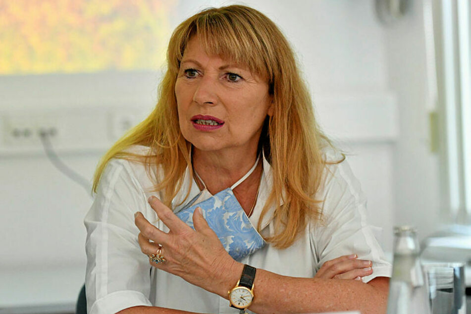 Gesundheitsministerin Petra Köpping (62, SPD) will zum Monatsende auch die Testzentren an den Flughäfen schließen.