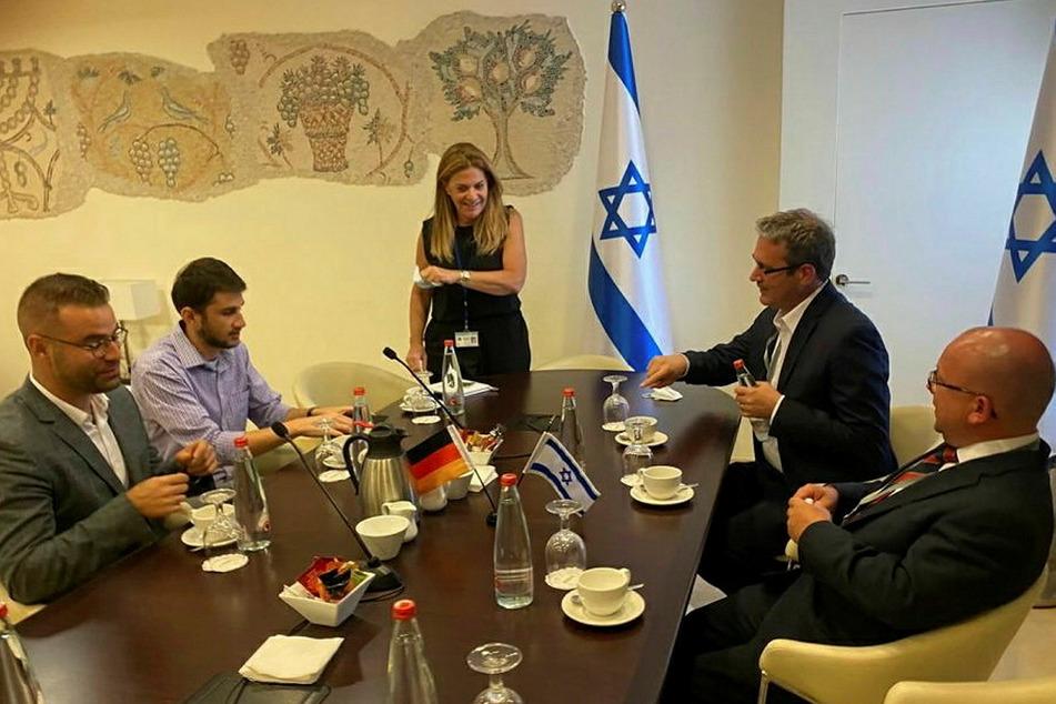 FDP-Stadtrat Frank Müller-Rosentritt (39, r.) zu Gast in Israel. Hier warb der Bundestagsabgeordnete bei Investoren für Chemnitz.