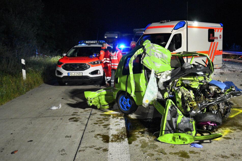 Der VW-Fahrer starb nach dem Zusammenstoß noch an der Unfallstelle.