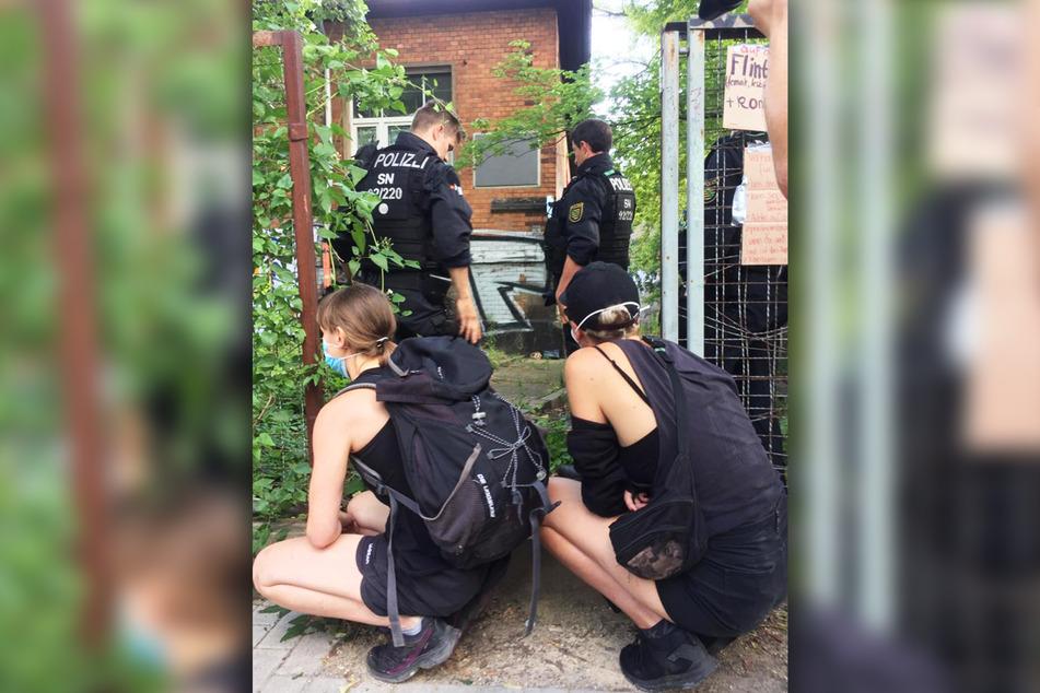 Die Polizei macht sich bereits ein erstes Bild von der Lage vor Ort.
