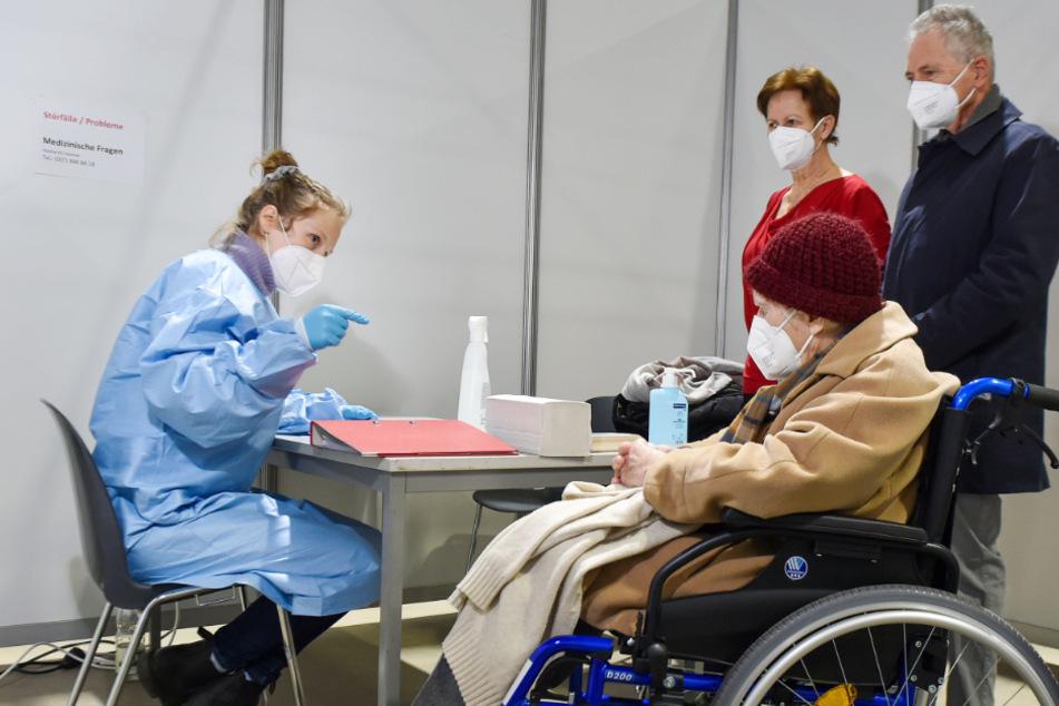 Start-Pieks für Sachsen: Corona-Impfzentren sind eröffnet!