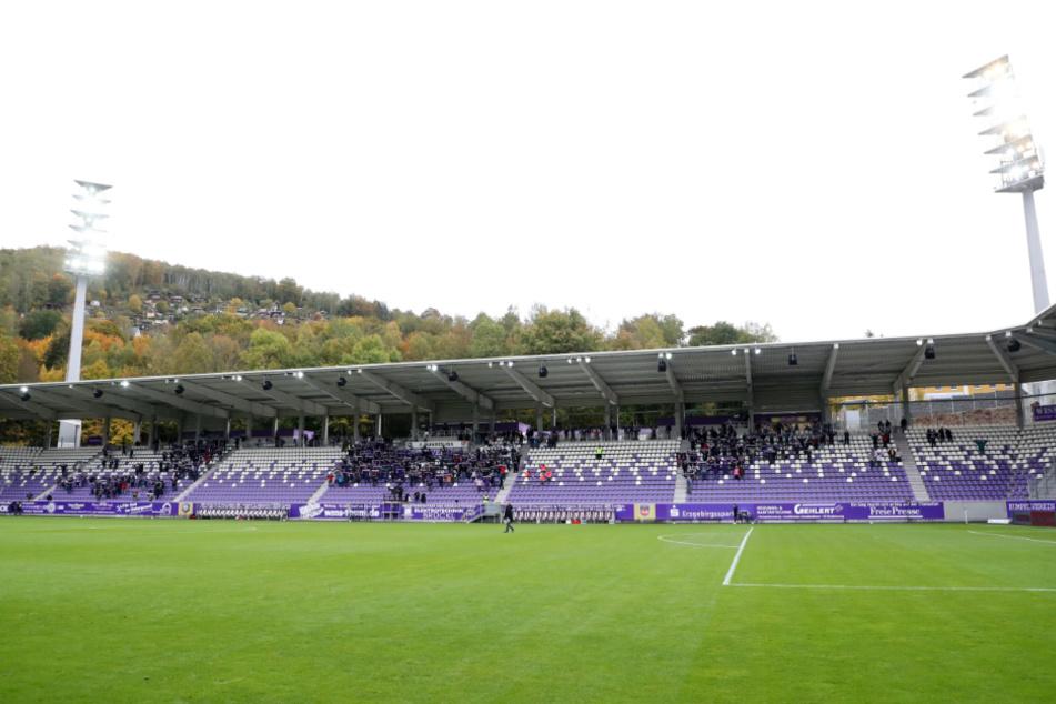 """Gegen den 1. FC Heidenheim durften 500 """"Veilchen""""-Anhänger ins Stadion."""