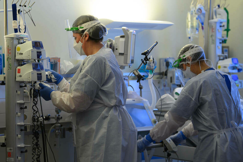 Ärztinnen und Ärzte sowie Pflegepersonal an Berliner Krankenhäusern sollen sich am Sonntag täglich auf das Coronavirus testen lassen können. (Symbolfoto)