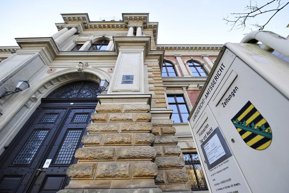 Ein Urteil des Landgerichts Zwickau über den Prämiensparvertrag wurde von Karlsruher Richtern zurückgewiesen.