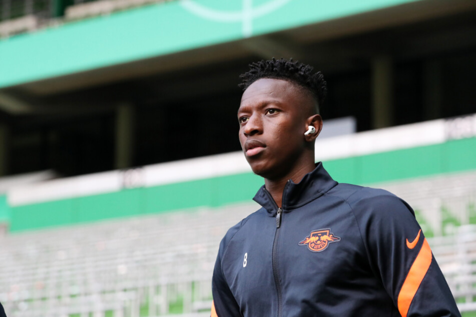 Amadou Haidara (23) hat seinen Vertrag bei RB Leipzig vorzeitig verlängert. (Archivbild)