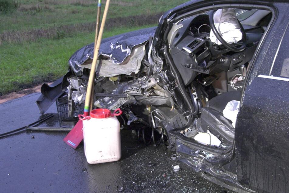 Frontal-Crash von zwei BMW: Beide Fahrer schwer verletzt