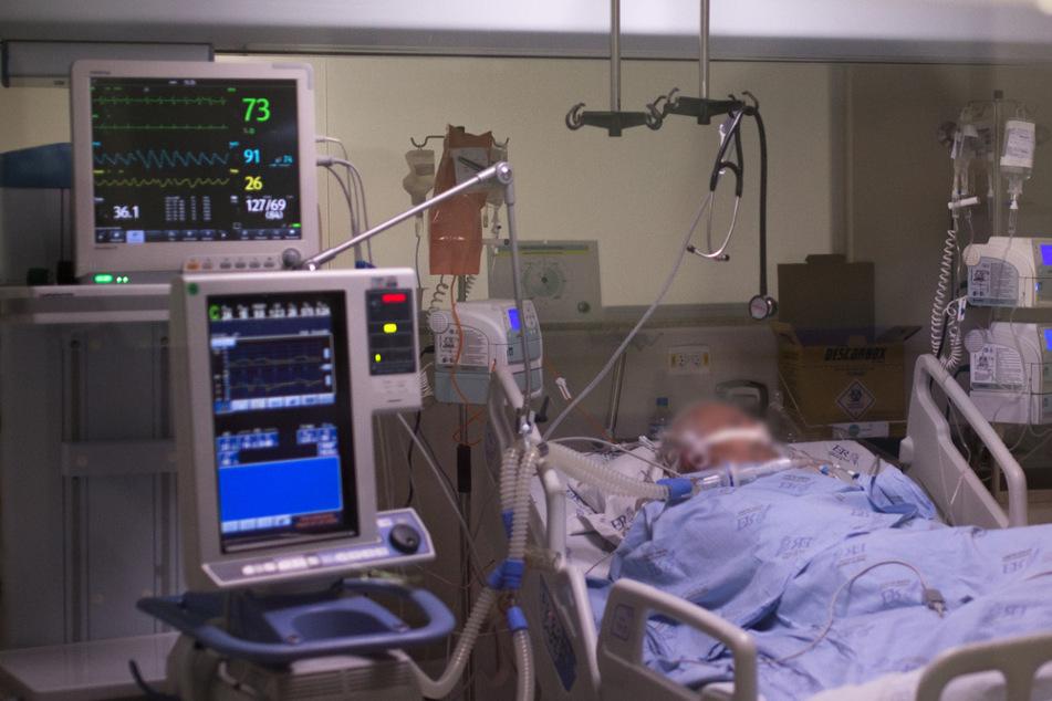 Corona-Drama! Mann (†22) wartet bis zum Tod auf ein freies Intensivbett