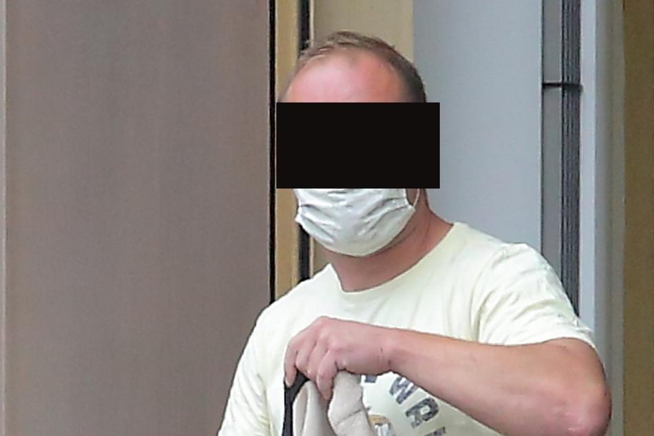 Markus K. (34) bestreitet, illegale Böller aus Tschechien geholt zu haben.