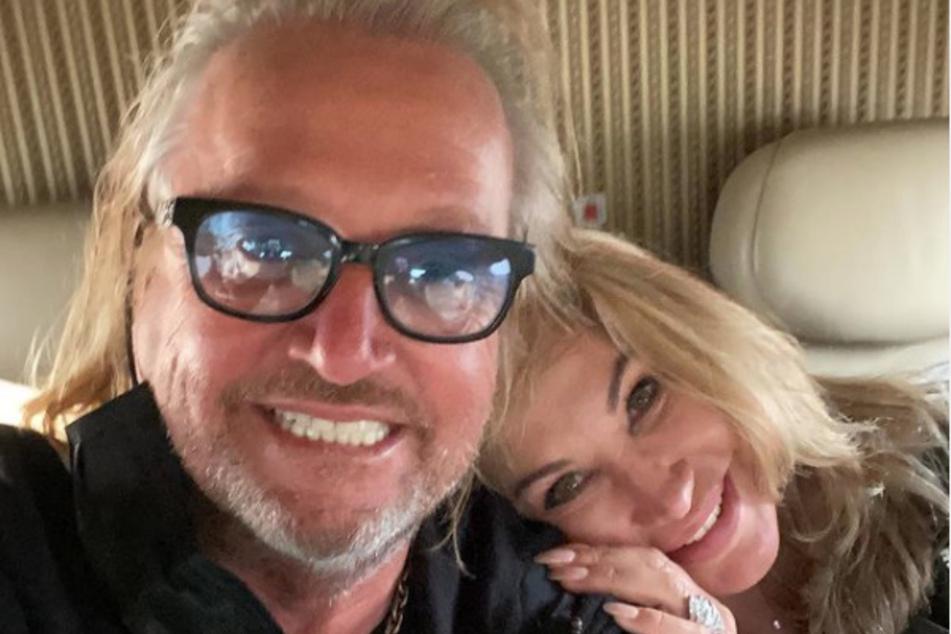 Mit seiner Ehefrau Carmen (55) ist Motorsport-Fan Robert seit nunmehr 26 Jahren verheiratet. Gemeinsam mit ihren zwei Töchtern wohnt das Paar in Monaco.