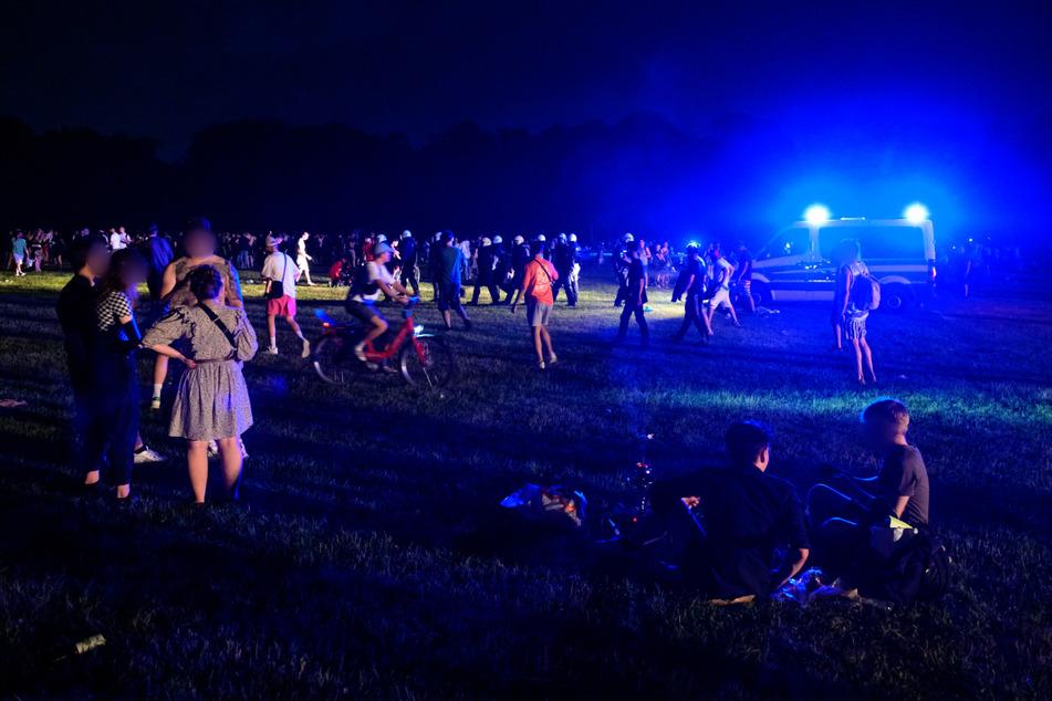 Rund 7000 Jugendliche und junge Erwachsene feierten am Wochenende im Stadtpark, bis die Polizei kam.