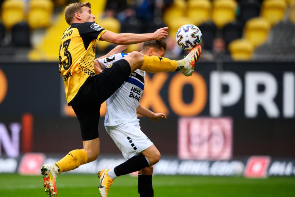 Stürmer Christoph Daferner (l.) erzielte für Dynamo kurz vor Schluss den ganz wichtigen 1:1-Ausgleich.