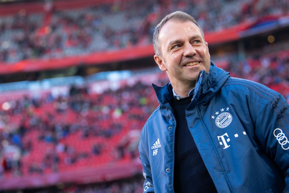 Bayern-Coach Hansi Flick bereitet seine Mannschaft auf den 26. Spieltag in Berlin vor. (Archiv)
