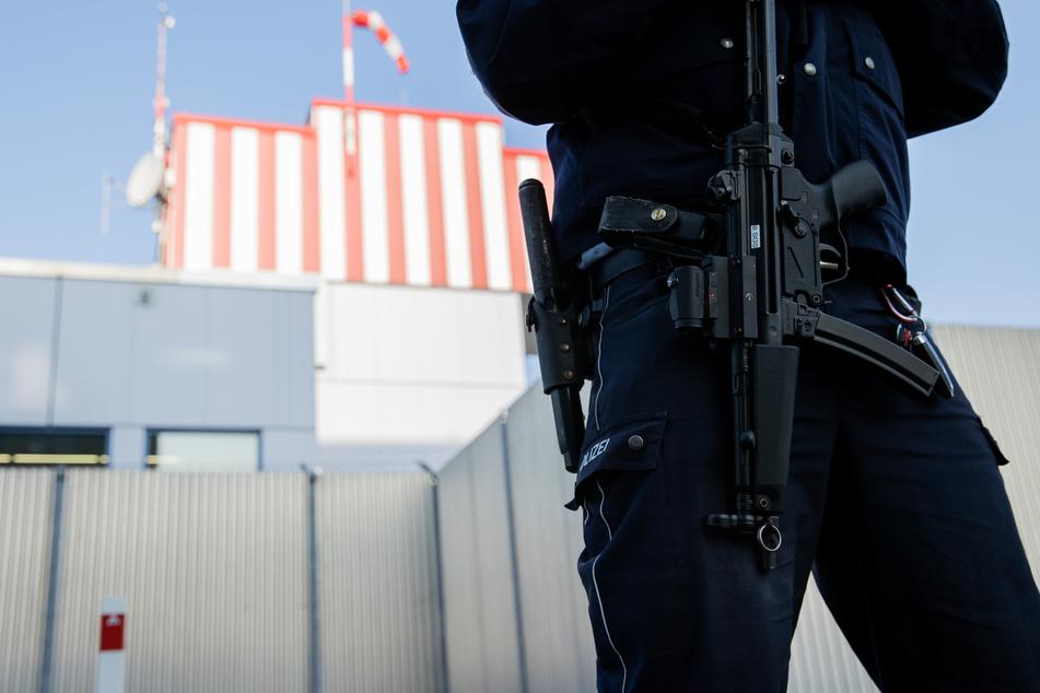Hochsicherheitstrakt des Oberlandesgericht:. Ab Montag müssen sich hier 14 Männer verantworten, darunter Mitglieder der 'Ndrangheta, die als mächtigste Mafiaorganisation weltweit gilt.